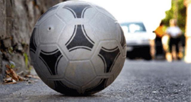Fermato 20enne a Battipaglia: tirava pallonate ai passanti