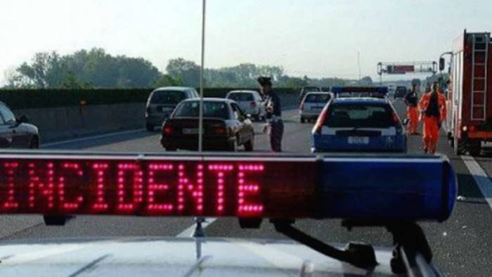 Incidente sull'A30: paura e traffico in tilt