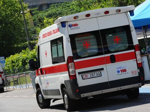 Incidente nel salernitano: 80enne avverte un malore e va a finire contro un tir