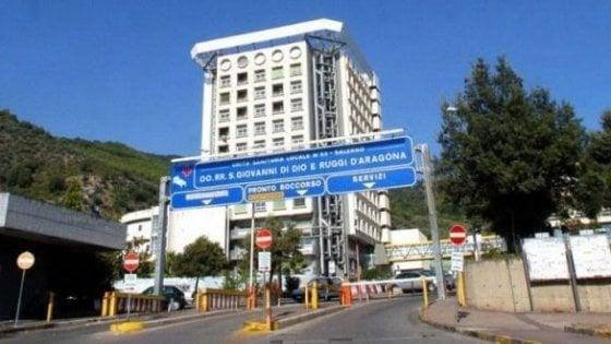 Salerno, terza vittima del Covid-19 in città. Morta una donna di Pastena