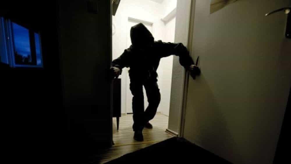 Baronissi: furto al Palairno, trafugato il defribrillatore