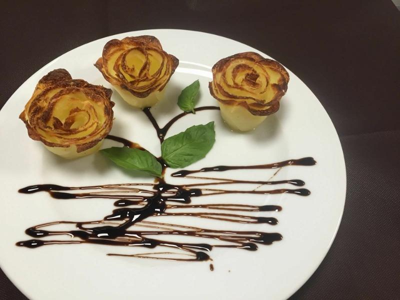 Capriccio della chef ... rose di patate al forno