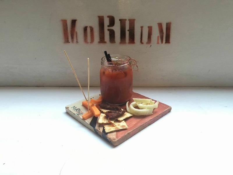 Bloody mary Morhum + peperoni ripieni