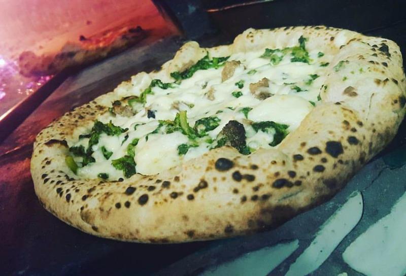 Ristorante pizzeria CAPRI, un piacevole punto d'incontro dove intrattenersi in relax