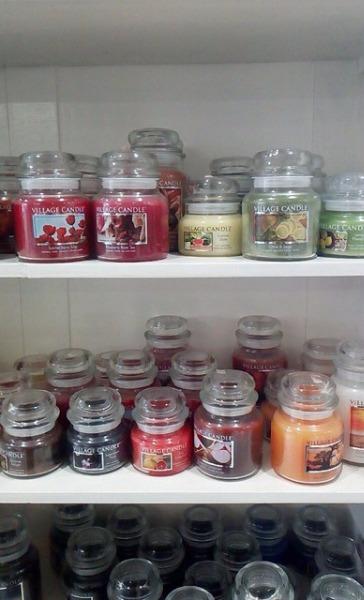 Vieni a scoprire le nostre fragranze Village Candle in offerta speciale