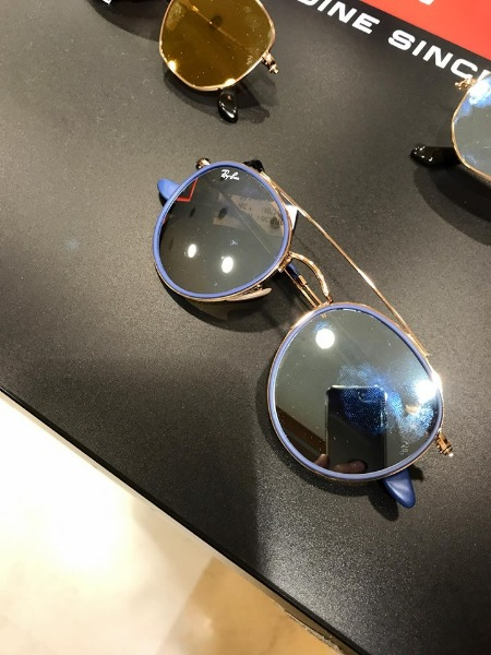 Ray-Ban in store
