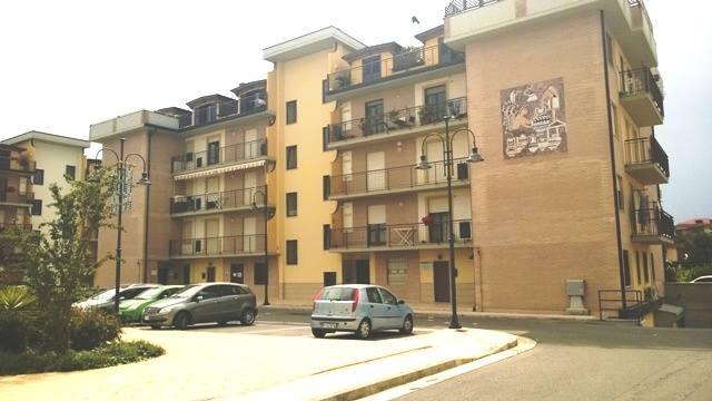 Affittasi Bellizzi - appartamento uso ufficio €. 400 mensili