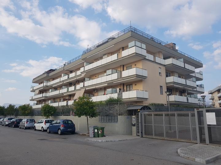 Appartamento con box e cantina a Bivio Pratole € 166.000