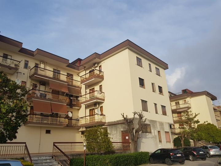 Appartamento con box a Bellizzi 150.000 €