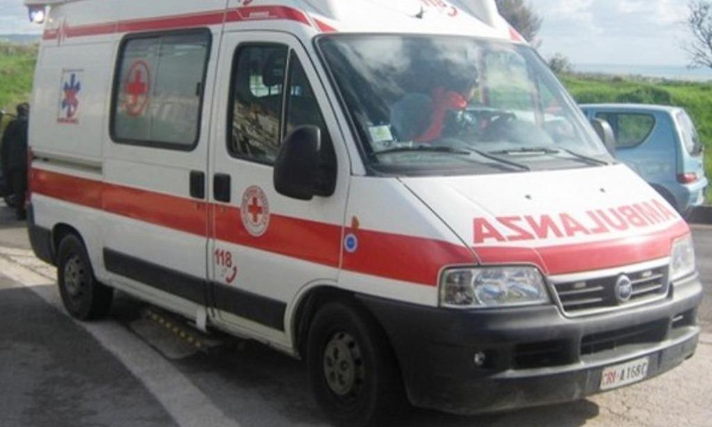 Salerno, 44enne si suicida lanciandosi dalla finestra