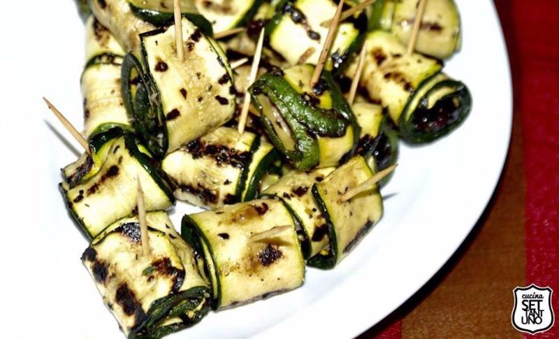 Zucchine grigliate ripiene di alici e olive
