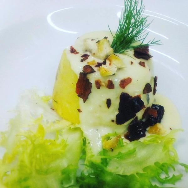 Scrigno d'Autunno: patate, castagne di Tramonti con fonduta di caciocavallo al tartufo estivo e peperone Crusco di Senise