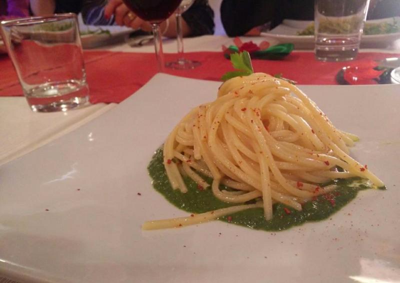 Spaghetti aglioeolio su crema di broccoli