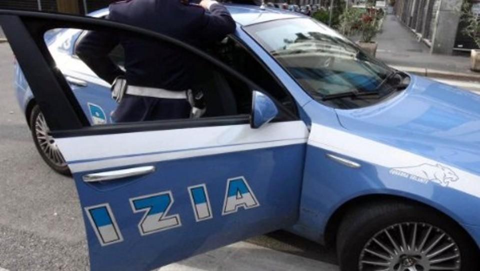 Nocera: Ladri in fuga tamponati dall'auto della polizia