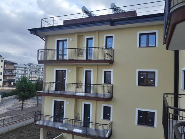 vendesi Loc. Bivio Pratole - Appartamento in parco di nuova costruzione € 220.000