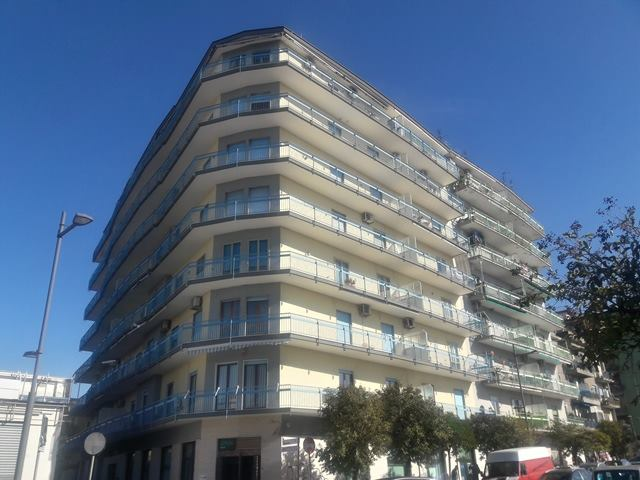Vendesi Bellizzi sul corso - appartamento di mq 115  € 185.000