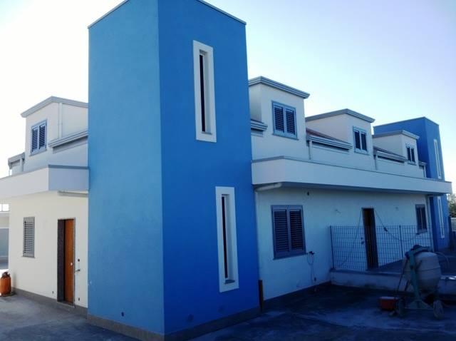 Affittasi Bellizzi periferia - villetta uso ufficio di mq 120 oltre cortile. Ape g. €. 470 mensili