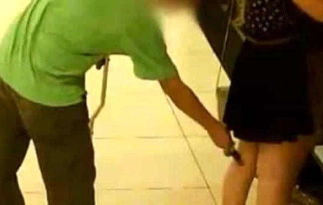 Denunciato salernitano a Firenze: filmava con il cellulare sotto le gonne delle clienti