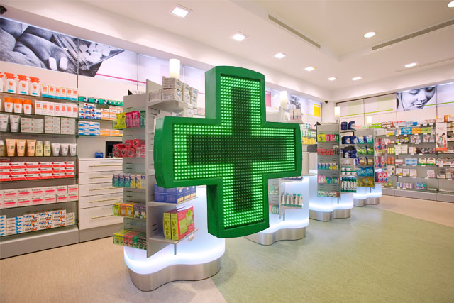 Angri: rapinata una farmacia in pieno giorno