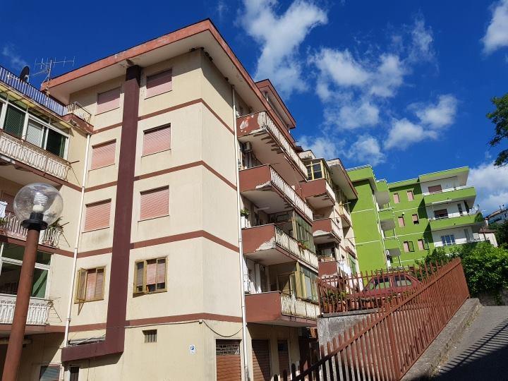 Vendesi Montecorvino Rovella - appartamento 150.000