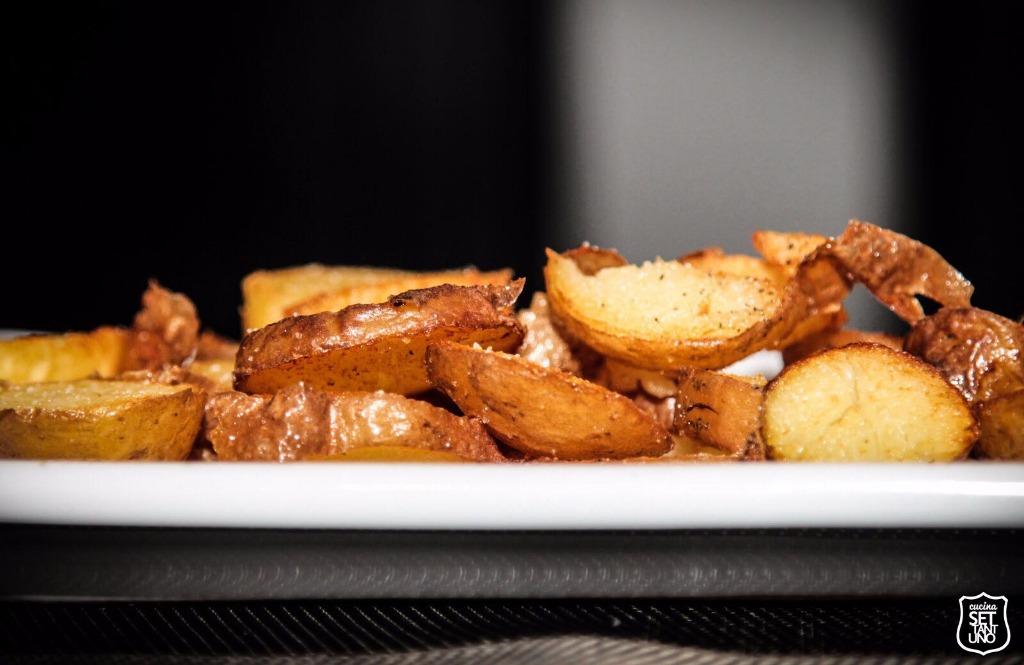 le nostre Patate Fritte Rustiche