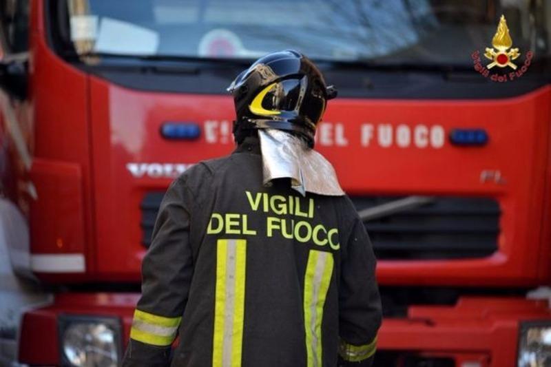 Cava de' Tirreni: emergenza incendi, a fuoco Monte Sant'Angelo