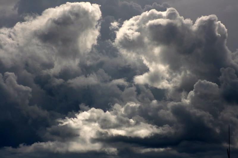 Meteo: week-end con calo delle temperature e piogge sparse
