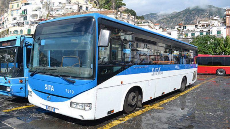 Traffico bloccato tra Maiori ed Amalfi a causa di un pullman in panne