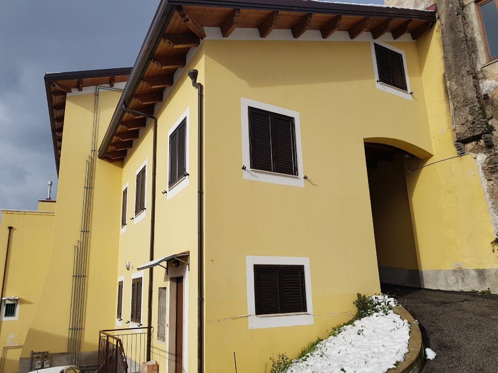 Vendesi a Montecorvino Rovella Località Votraci €.49.000