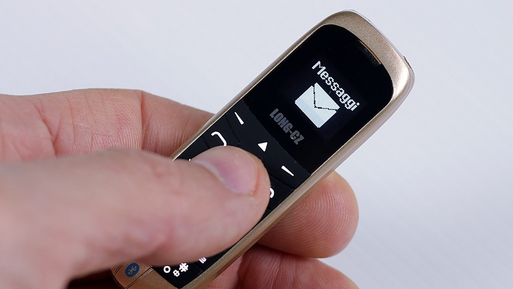 Mini Cellulare... il più piccolo al mondo