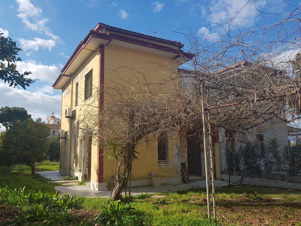 Vendesi nelle vicinanze della litoranea di Pontecagnano Villetta a schiera ? 143.000
