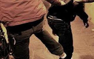Bany gang in azione a Battipaglia. 13enne derubato del cellulare