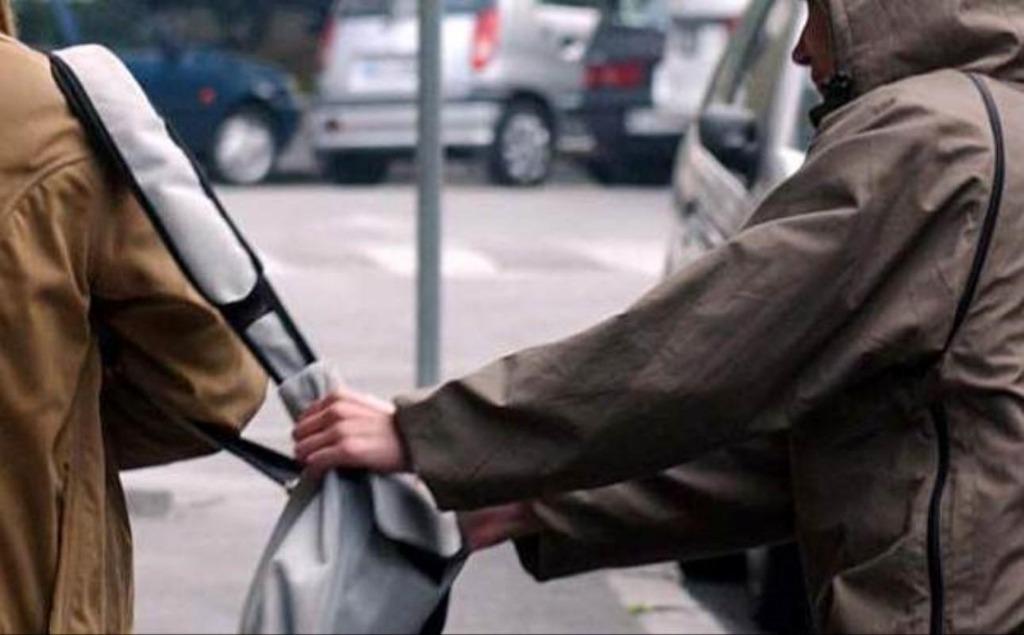 Tensione a Pastena, uomo linciato dopo aver rubato un portafogli
