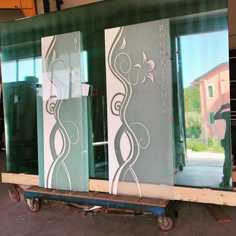 Porte extra-chiaro stratificate con 5 plastici