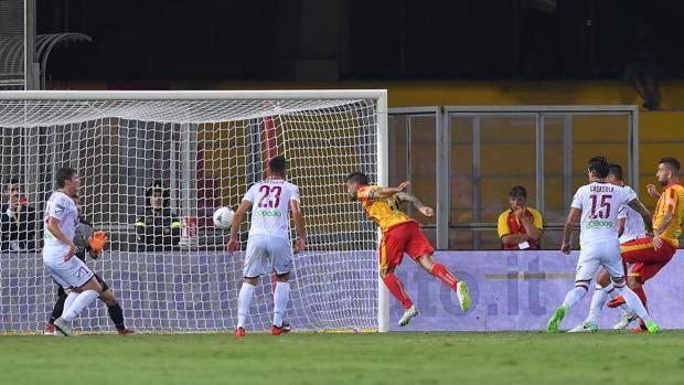 Il Benevento surclassa la Salernitana. Al Vigorito finisce 4 a 0