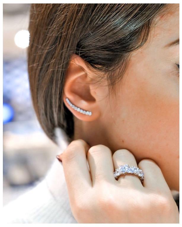 maxi veretta con cuori e nuovo orecchino ad amo con tante pietre bianche