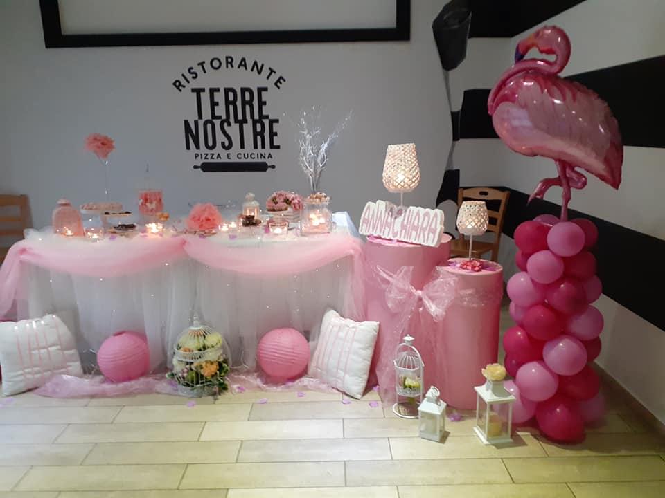 Per il primo compleanno di Annachiara Fenicotteri e dolcetti