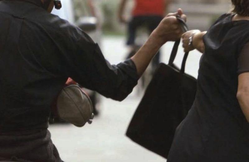 Salerno: scippatore fermato dai cittadini nel rione Carmine
