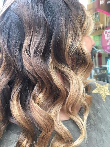 Riscalda i tuoi capelli con una bella tecnica colore