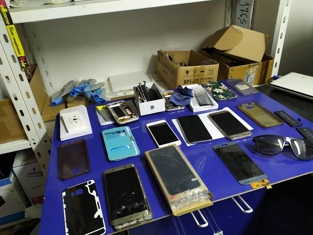 Ripara il Tuo Cellulare  Sostituzione Display In 30m  Sostituzione batteria In 30m Gamma di Cellulari Ricondizionati