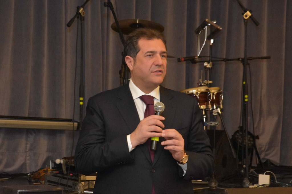 Malore per il sindaco di Pontecagnano Ernesto Sica