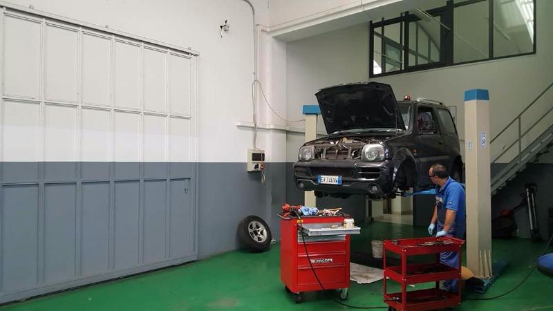 Affida il tuo veicolo Suzuki a tecnici specializzati