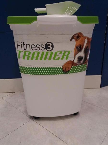 Comprando un saccone fitness trainer  da 12,5kg bidone ermetico omaggio
