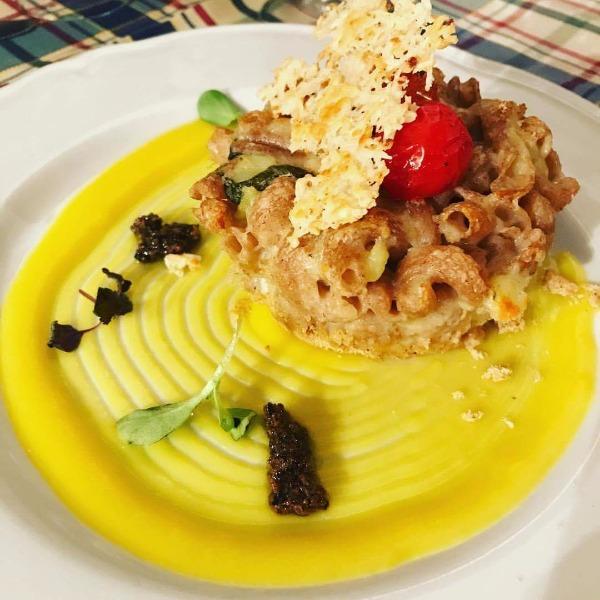 Tortino di pasta di Farro con Cremoso di Patate al Tartufo, Croccante di Cacioricotta del Cilento
