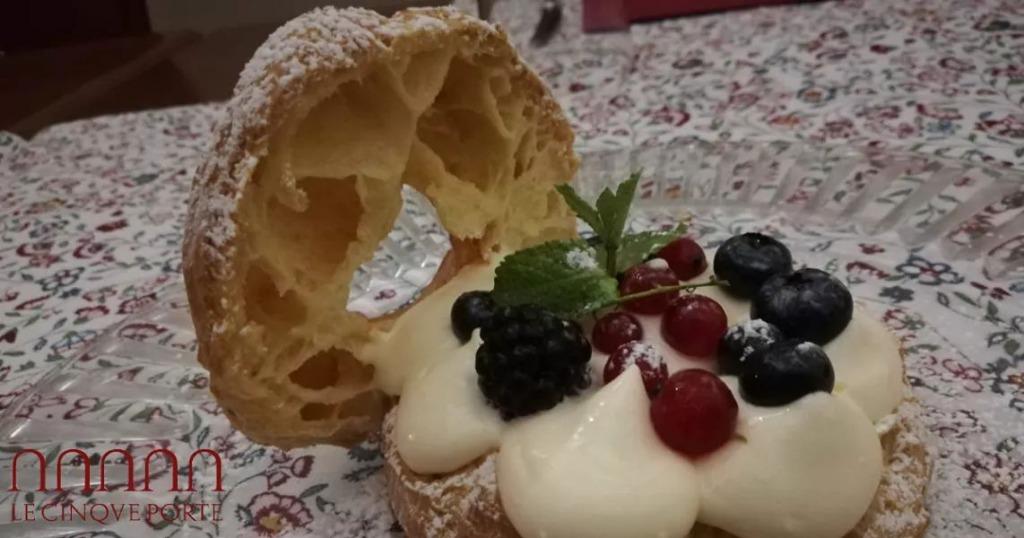 Choux con Crema Mascarpone e Frutti di Bosco