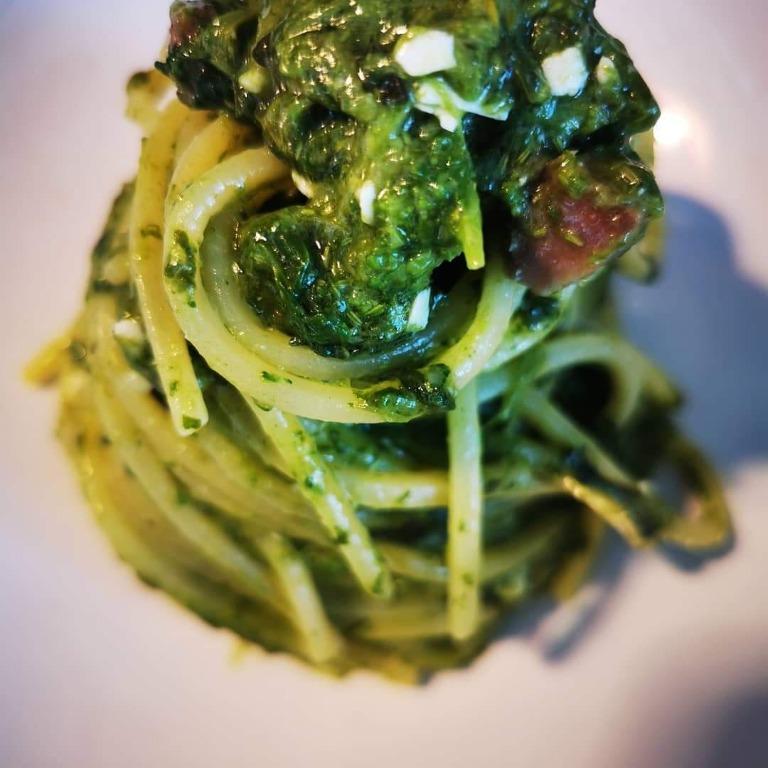 Spaghettone quadrato broccoli Salsiccia pezzente e ricotta salata