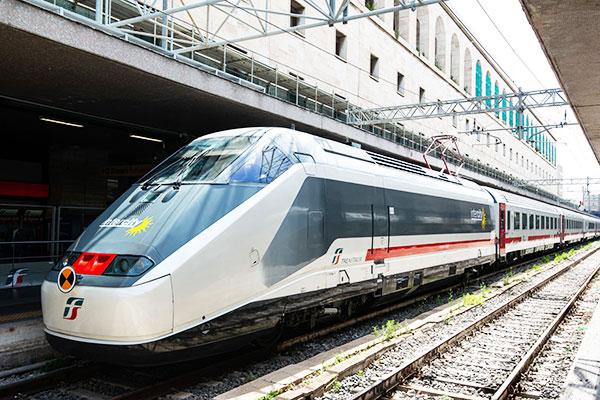 Deraglia treno diretto a Sapri. Nessun ferito
