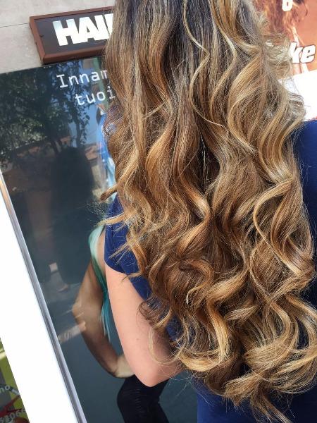 Riscaldiamo i tuoi capelli con le nostre tecniche colore