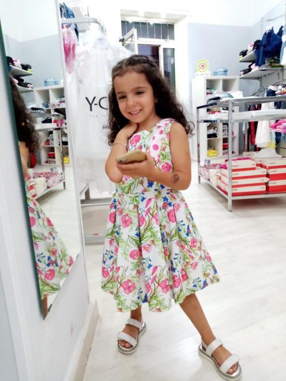 La piccola Francesca ha scelto un vestito Gaialuna