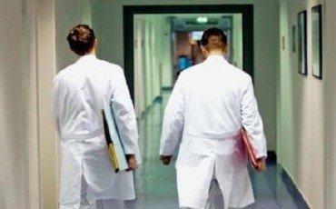 Medico preso a pugni all'ospedale di Nocera